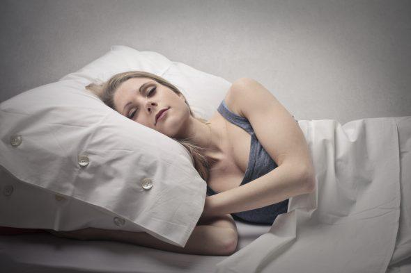 Dicas para descansar melhor nas noites quentes